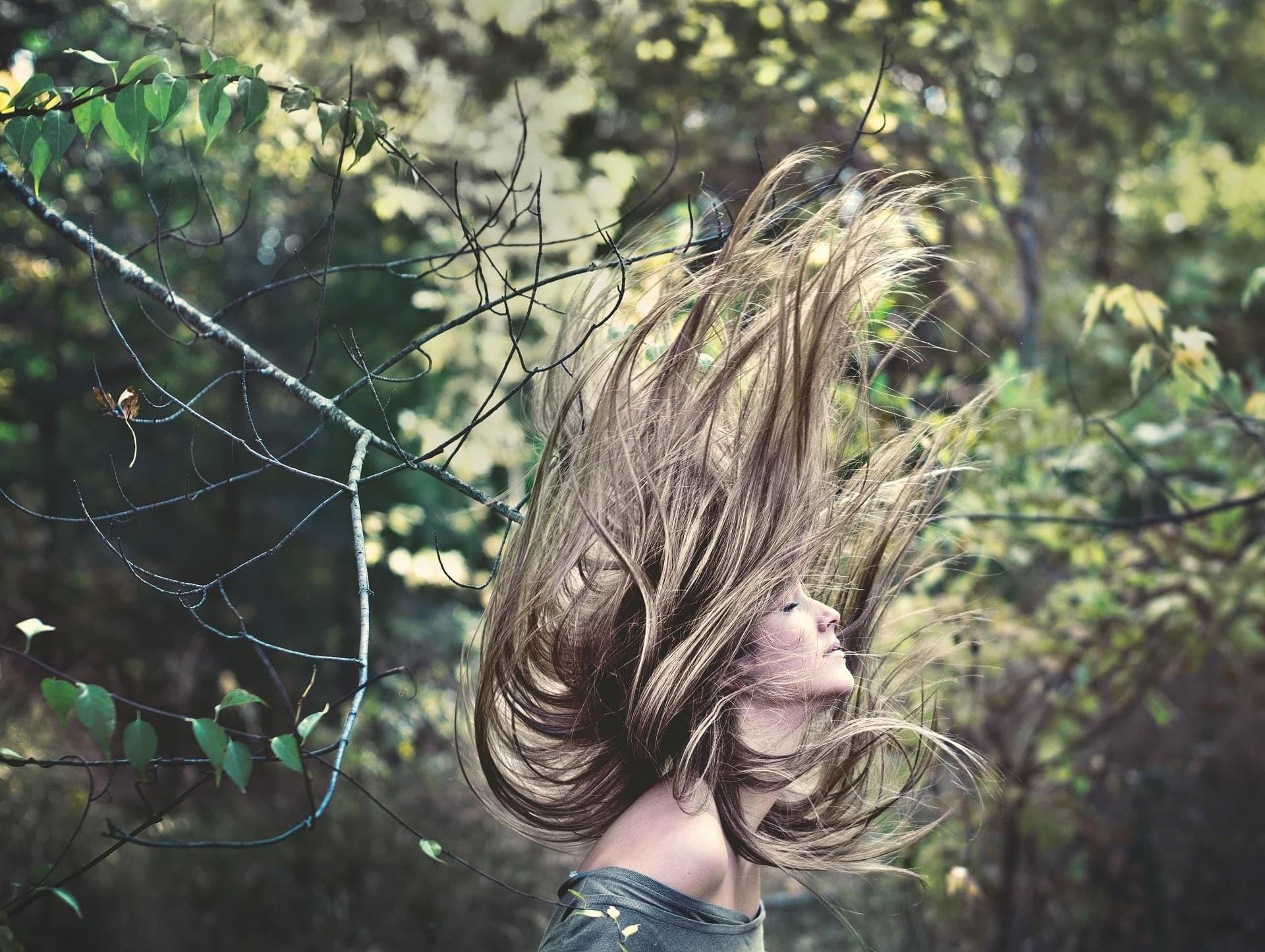 Plaukų priežiūra natūraliomis priemonėmis